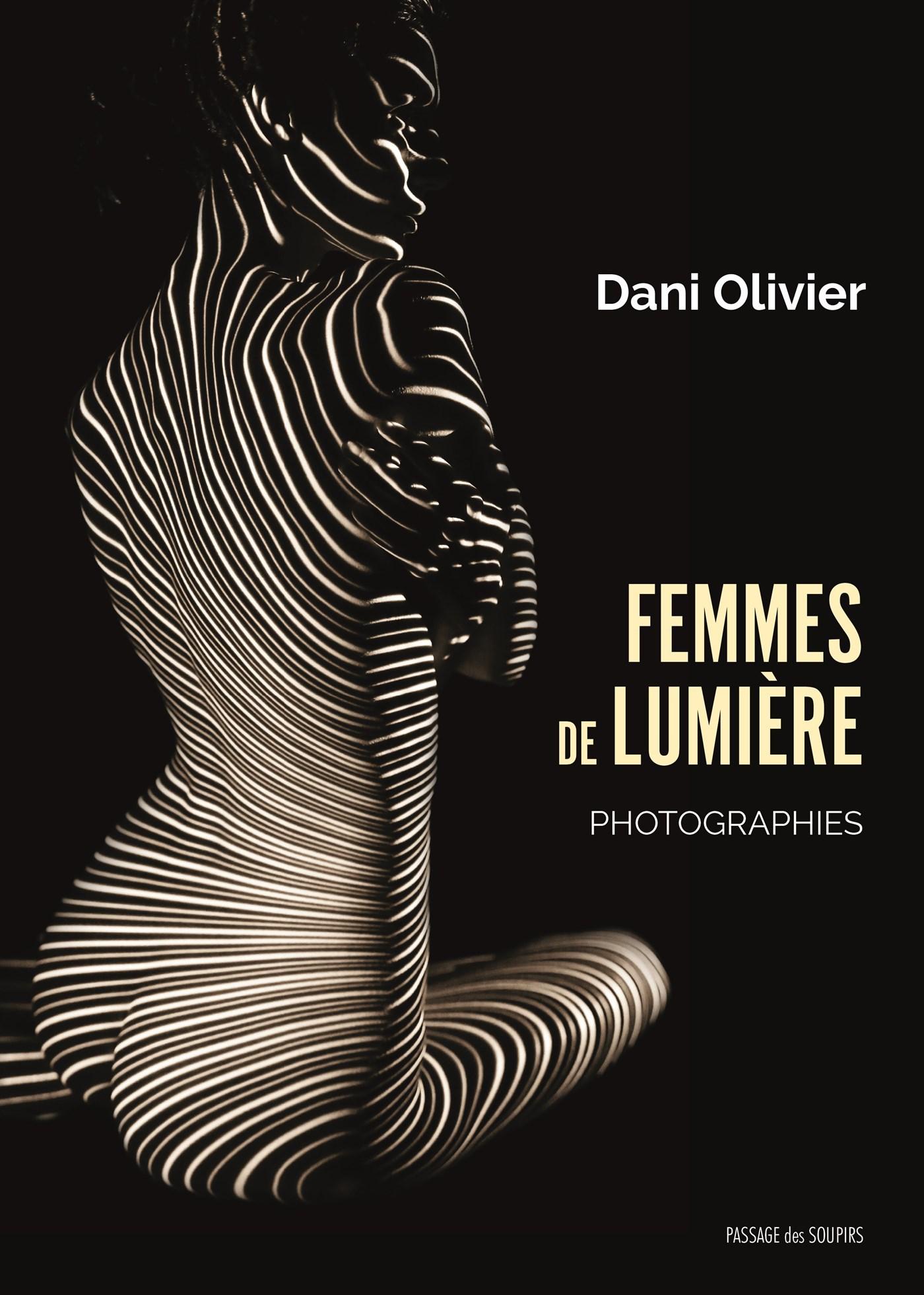 FEMMES DE LUMIERE