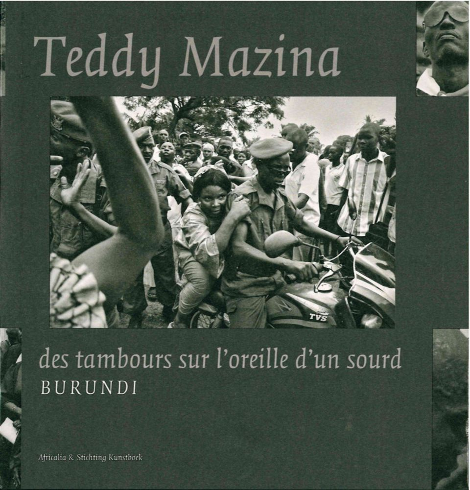 TEDDY MAZINA - DES TAMBOURS SUR L'OREILLE D'UN SOURD