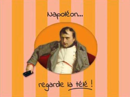 NAPOLEON REGARDE LA TELE